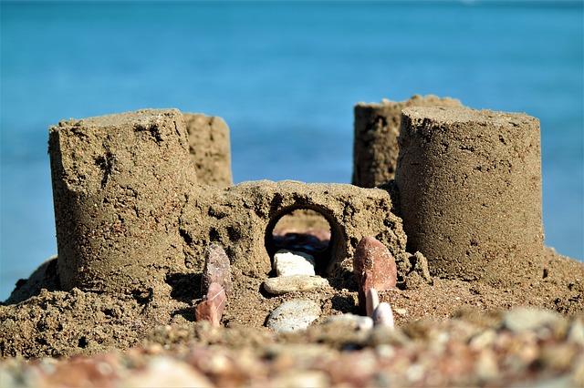 Göttin im Sandkasten